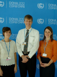 Students Sarah Perelstein (left) and Amelia Schlusser (right) with Professor Chris Wold (center).