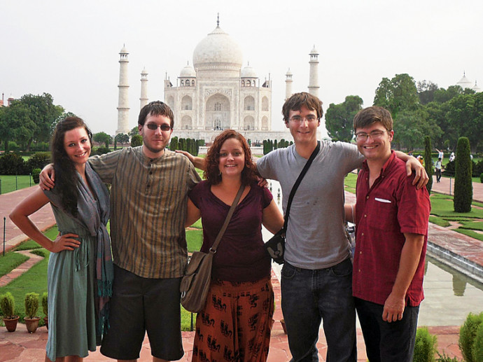 Emily Christiansen (center) with fellow summer 2011 India externs Lorraine Ater '12, Matthew Blythe '13, Dustin Combs '12, and Nolan Shutler '12.